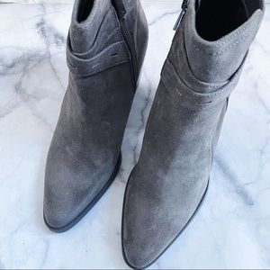 Naturalizer grey Fenya suede ankle boots 8.5